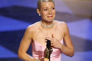 gwyneth-paltrow-crying-after-receiving-an-oscar.jpg